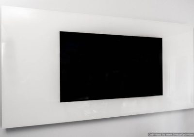 Horizontal Strip-TV OFF